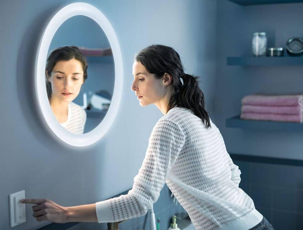 Miroir connecté Philips Hue Ambiance Adore avis test