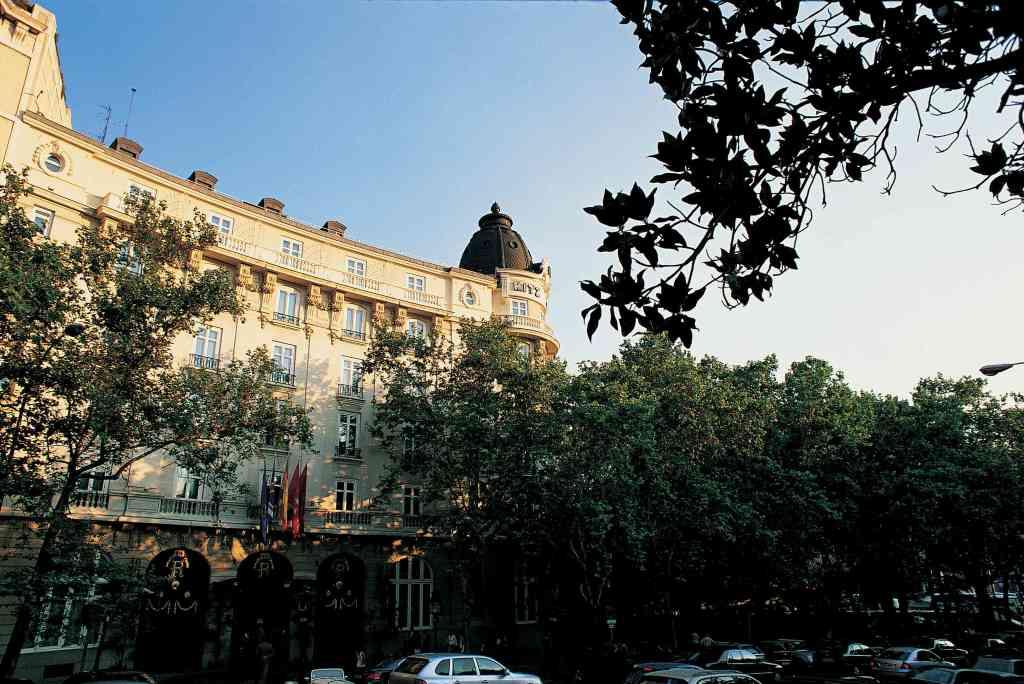 hotelritz-facade-1