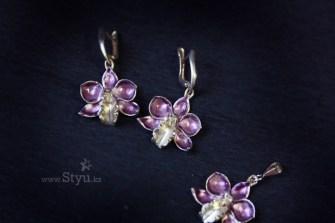 Комплект с серебряными орхидеями