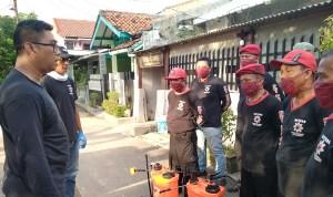 PDIP Kota Cirebon Cicip Awaludin memberikan arahan kepada Satgas Cakrabuana