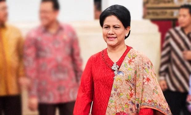 Ibu Negara dan Ibu Anggota Dewan Yang 'Genit'