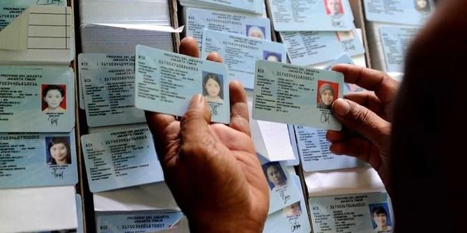 Beberkan Penemuan Paket dari Kamboja, 36 E-KTP Dinyatakan Palsu
