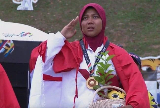 Sri Ranti Wanita Berhijab Pertama Indonesia Peraih Emas Di SEA Games