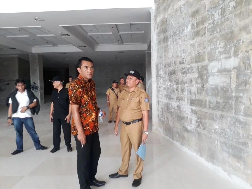 Dinilai Melenceng Dari Target, Wakil DPRD Tangsel Kembali Lakukan Sidak Proses Pembangunan Gedung Dewan