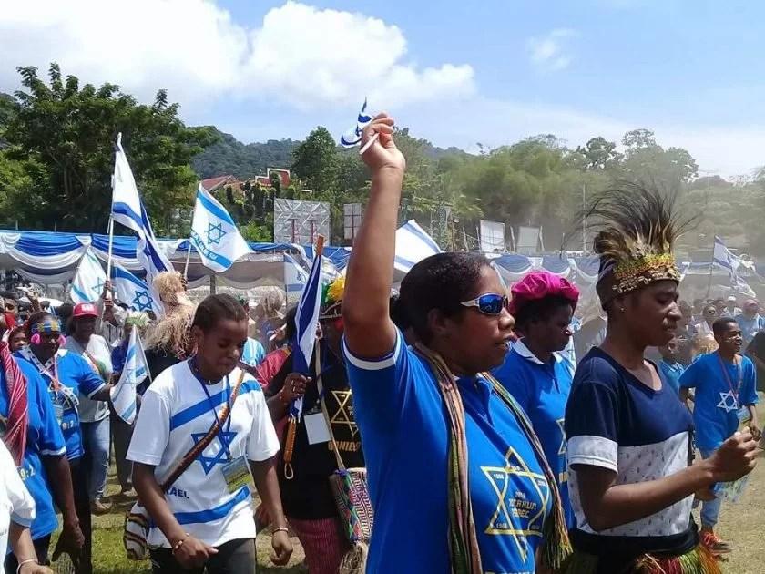 Gubernur Papua Sebut Bendera Yang Berkibar di Jayapura Bendera Bintang Daud