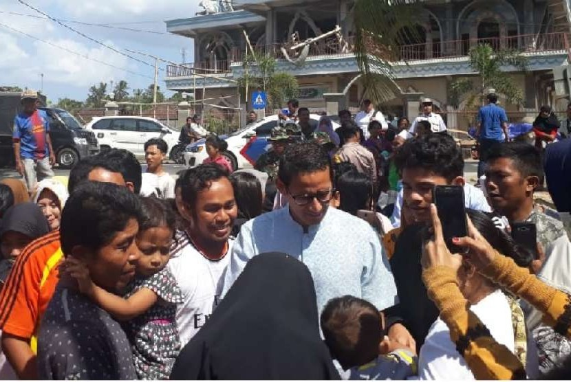 Kunjungi Korban Gempa Lombok, Sandiaga Uno Kucurkan Bantuan Rp 2,3 Miliar