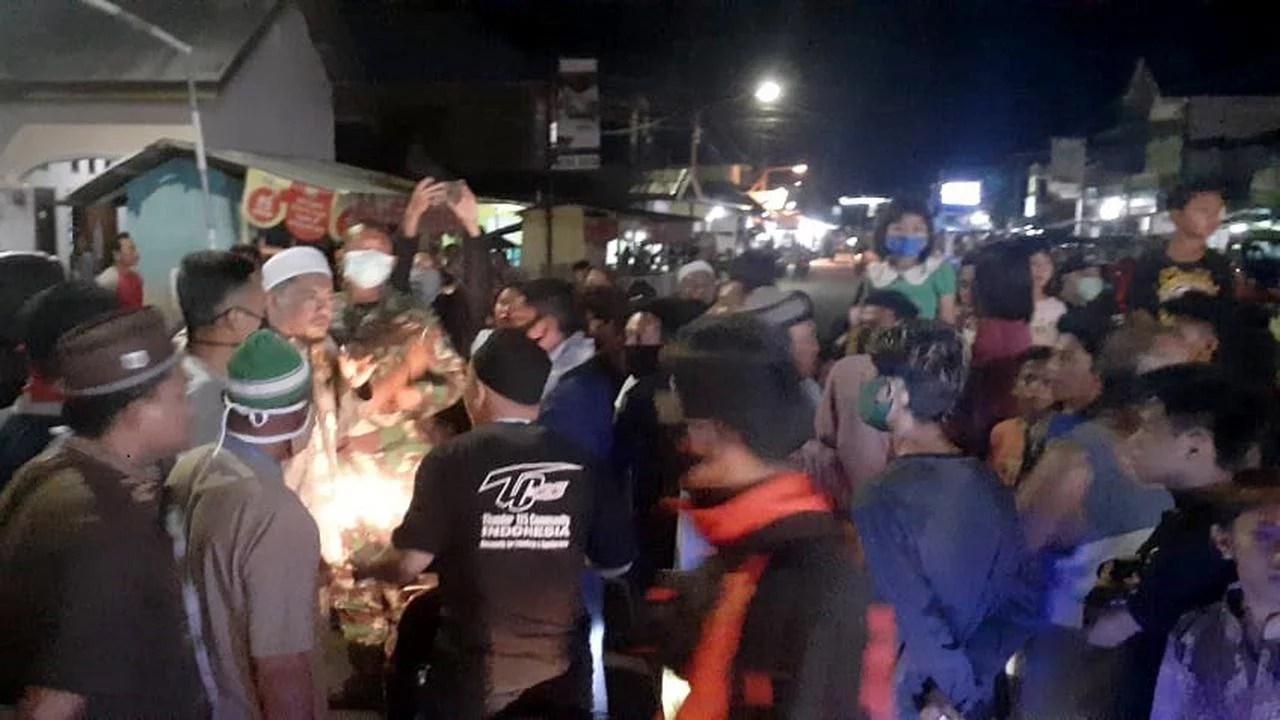 Dilarang Tarawih Berjamaah, Warga Gorontalo Blokir Jalan Trans Sulawesi