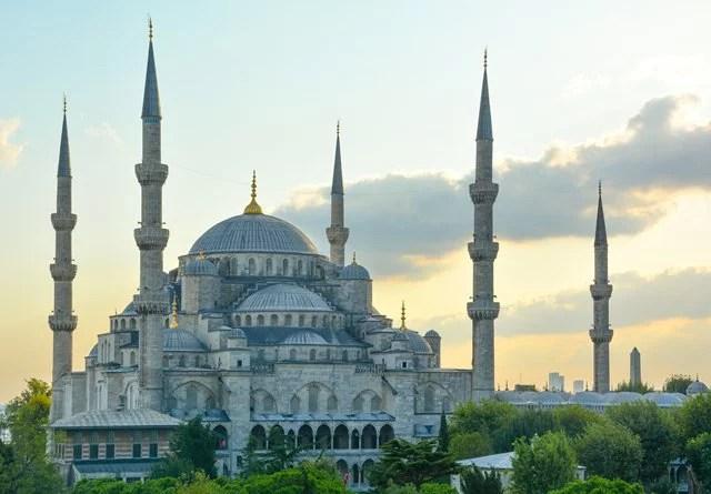 Bantahan Argumentasi Sarjana Barat Tentang Peradaban Islam Akan Runtuh