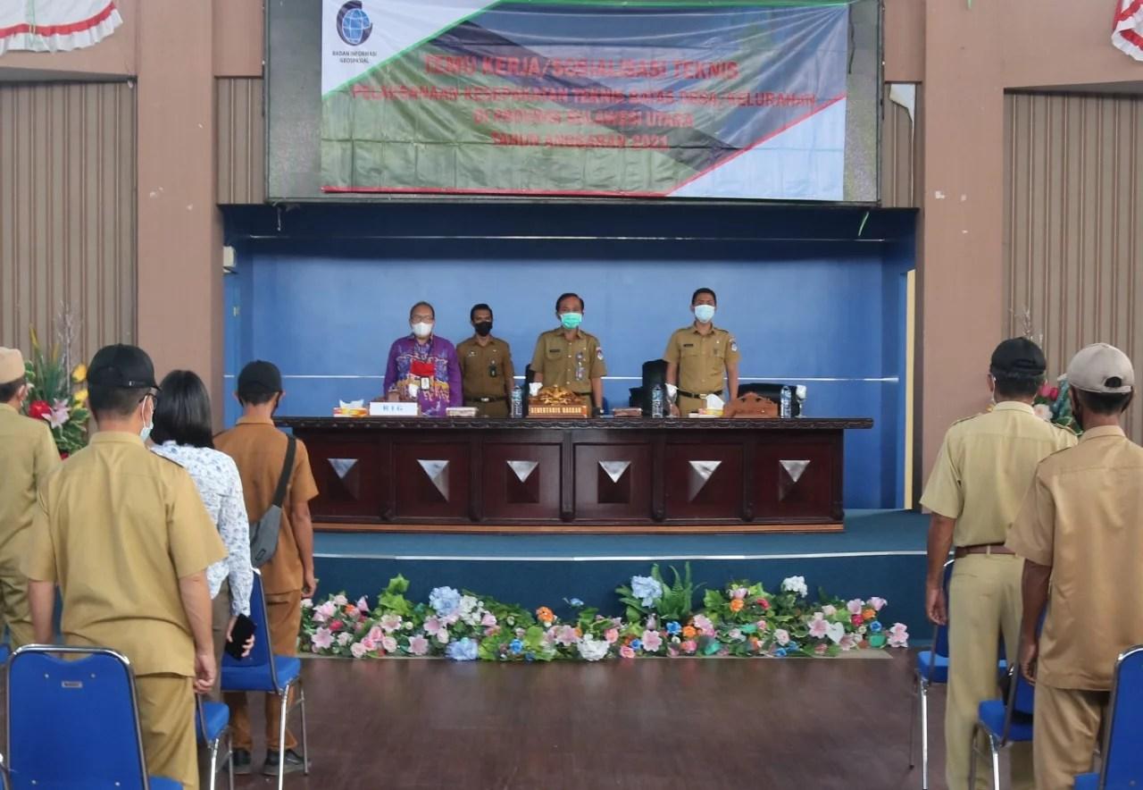 Sekda Boltim Buka Kegiatan Sosialisasi Teknis Terkait Kesepakatan Batas Desa/ Kelurahan