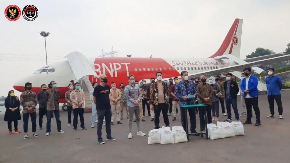 BNPT dan YHPB Bantu Mahasiswa Perantauan Terdampak Covid-19 di Jabotabeka-Banten
