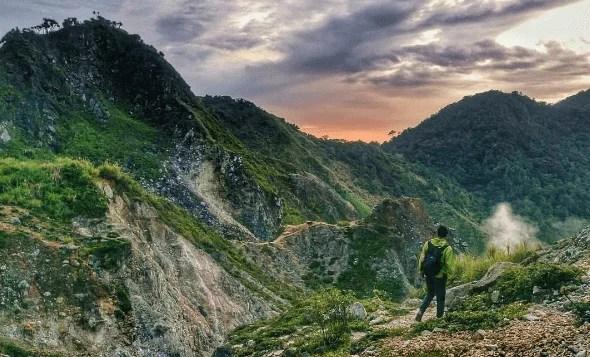 Yang Hobi Naik Gunung, Bisa Coba Sensasi Pendakian 5 Gunung Favorit di Sulut Ini