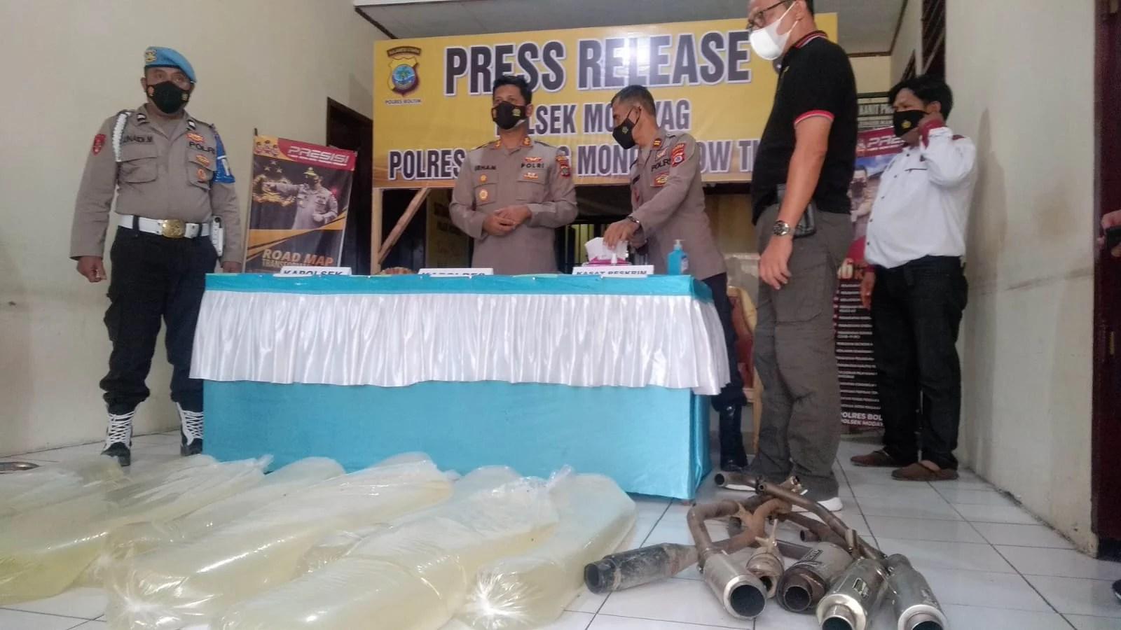 Polres Boltim Amankan Ratusan Liter Miras Cap Tikus dan Knalpot Tak Standar