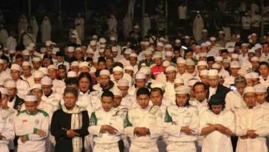 Photo of Pimpin Zikir di Milad FPI, Ustaz Arifin Ilham Doakan Hadirnya Pemimpin Bertakwa