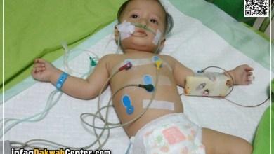 Photo of Komplikasi Paru-paru, Balita Hamzah Kritis di Rumah Sakit