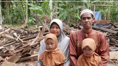 Photo of Innalillahi, Rumah Ustaz Wahyudin untuk Pengajian Roboh Diterjang Banjir