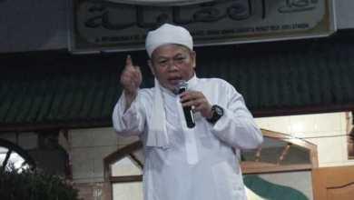 Photo of FUI Kutuk Keras Penistaan Agama Oleh Wanita yang Masuk Masjid Bawa Anjing