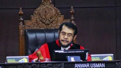 Photo of Mahkamah Konstitusi Tolak Seluruh Gugatan Prabowo-Sandi