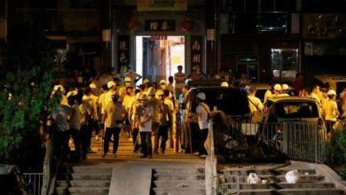 Photo of Massa Bertopeng Serbu Stasiun di Hongkong, 36 Orang Terluka