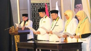 Photo of Caleg PKS Terpilih Tanda Tangani Pakta Integritas, Wajib Perjuangkan Janji Kampanye