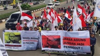 Photo of Ada Orang Kuat Ingin Cegah Kasus Air Keras Novel