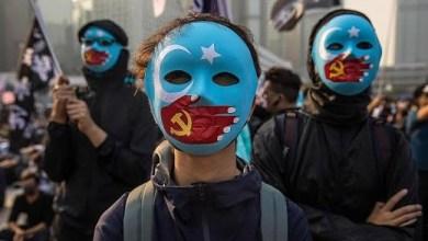 Photo of Warga Hong Kong Gelar Aksi Bela Uighur