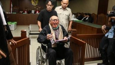 Photo of Meski Batuk-batuk, Kivlan Zen Tetap Hadir Jadi Saksi di PN Jakpus