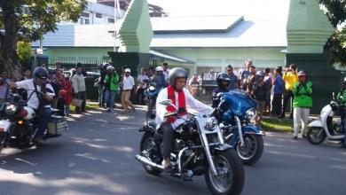 Photo of Tabligh Akbar di Padang, UAS Datang dengan Kendarai Harley