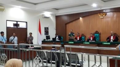 Photo of Dinilai Sakit Jiwa, Hakim Bebaskan Wanita Pembawa Anjing ke Masjid Al Munawaroh