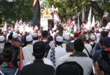 Photo of Di Aksi 212 Berantas Korupsi, Ketum FPI Usulkan Hukuman Potong Tangan
