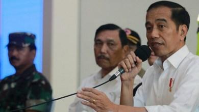 Photo of Jokowi Ngaku Belum Kepikiran untuk 'Lockdown'