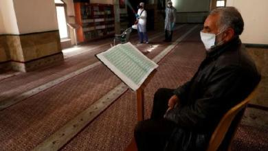 Photo of Sejumlah Masjid Gaza Dibuka untuk Shalat Jumat Terakhir Ramadhan
