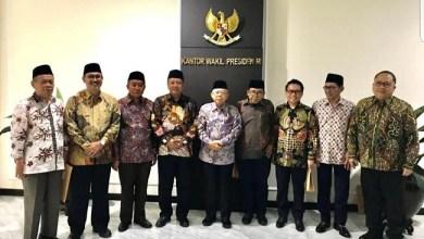 Photo of Di Tengah Polemik Stafsus Milenial, Jokowi Terbitkan Perpres Kebolehan Wapres Miliki 10 Stafsus