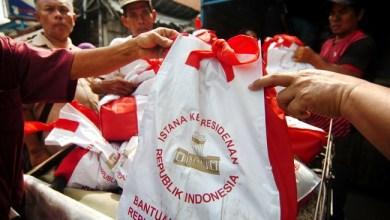 Photo of Sembako Bantuan Presiden: Kemanusiaan atau Pencitraan?