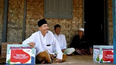 Photo of Daarul Qur'an Salurkan Paket Sembako kepada Guru Ngaji di Pandeglang