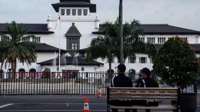Photo of RK Disebut Gubernur Terbaik Tangani Corona, 40 Pegawai Gedung Sate Positif Terinfeksi