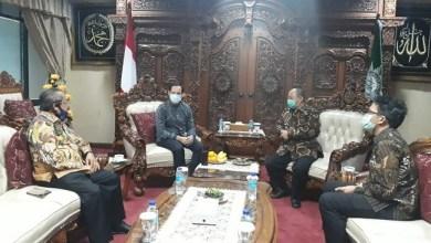 Photo of Datangi PP Muhammadiyah, Nadiem Makarim Minta Maaf