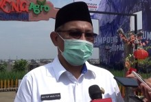 Photo of Mau Lawan Bobby, Akhyar Nasution Malah Positif COVID-19