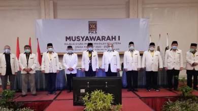 Photo of Ahmad Syaikhu Jadi Presiden PKS, Habib Salim Segaf Kembali Jadi Ketua Majelis Syuro
