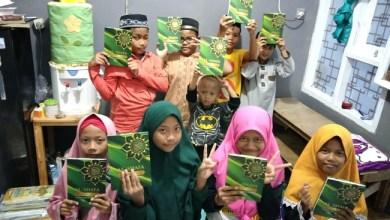 Photo of Ummat TV Peduli Salurkan Wakaf Al-Qur'an Khusus untuk Pemula