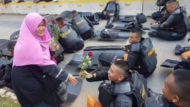 Photo of Besok PN Jaksel Gelar Sidang Perdana Praperadilan Ustazah Kingkin Anida, Kuasa Hukum: Harusnya Sudah Putusan