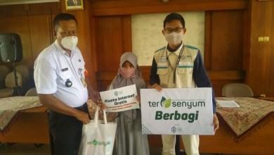 Photo of Rumah Sosial Kutub Salurkan 30 Paket Bantuan untuk Yatim dan Dhuafa Ulujami