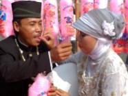 Wedding on the street (6)