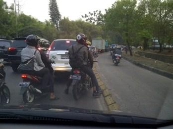 Serobot Jalur - SuaraJakarta.com (5)