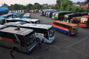 Suara Jakarta - Terminal Bus Antar Kota (foto : Antara)
