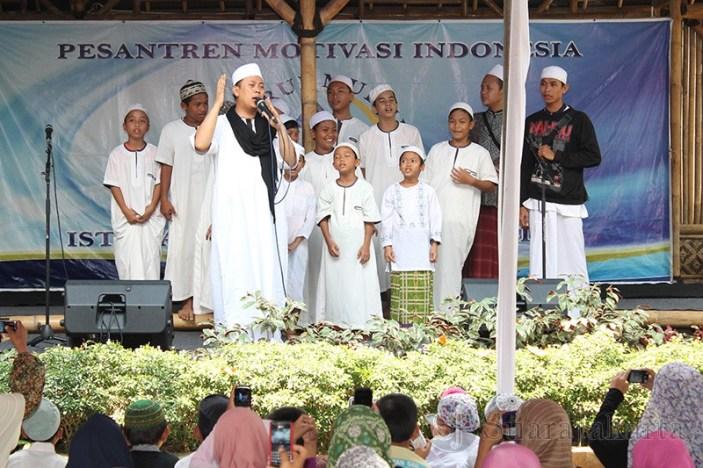 Opik Tombo Ati hadir pada Open House dan Halal Bihalal Istana Yatim. (Foto: Awan Setia Budi)