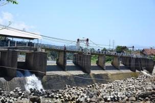Foto Bendung Katulampa Bogor dengan debit air normal. (Foto: Fajrul Islam)