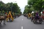 30 Kereta Kencana ikut ambil bagian dalam arak-arakan pada acara Festival Kerajaan Nusantara di Silang Monas, Jakarta. (Foto: Fajrul Islam/SJ)