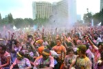 Lomba Lari Warna 5 Km The Color Run 2014 di Senayan