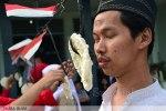 Difabel Yayasan Makfufin Rayakan 17an dengan Lomba Makan Kerupuk