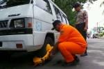 Ratusan Kendaraan Di Kemayoran Dicabut Pentil